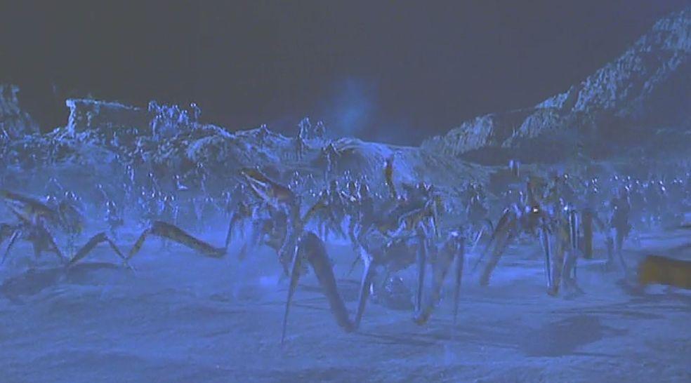 アリのようなクモのようなウォリアー・バグが大群で襲いかかる!