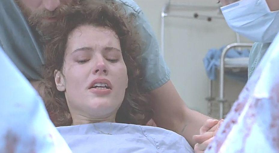 恋人のヴェロニカはセルと交わった恐怖で妊娠から出産を!?