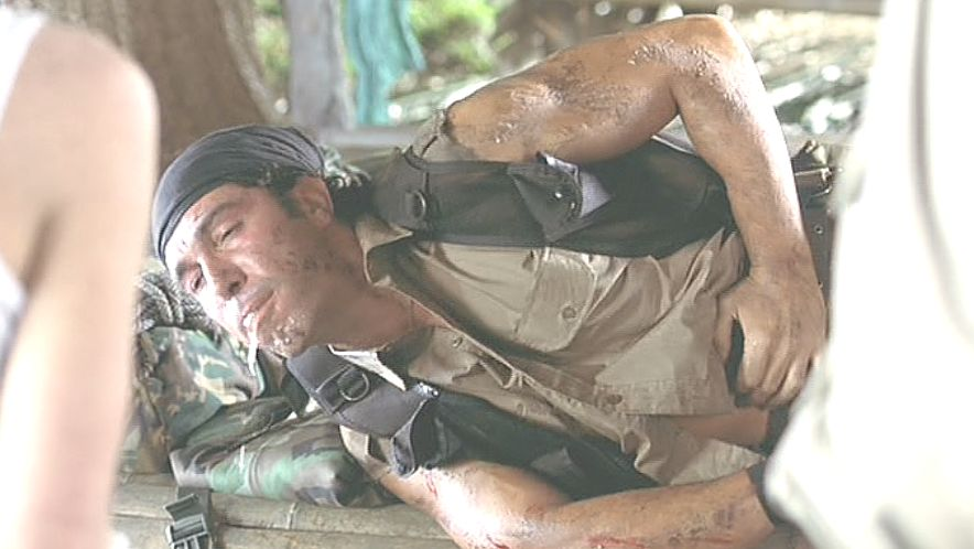 突然、ダニに噛まれた男性が呻き吐瀉物を吐き出す!