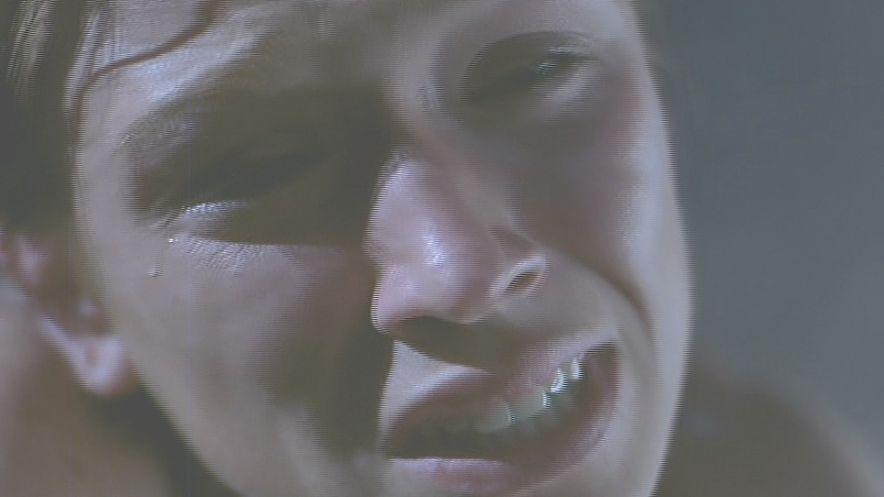 怯え苦痛の表情になるマーサー!