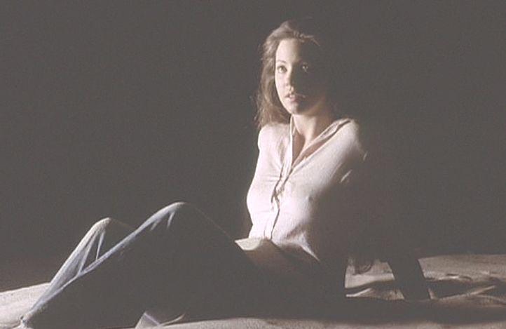 美人女優リン・フレデリックまでもが蟻に・・・