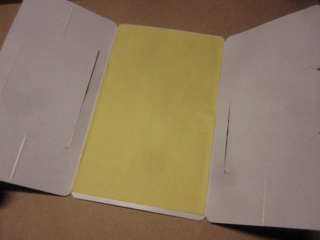 粘着シートの黄色いハクリ紙