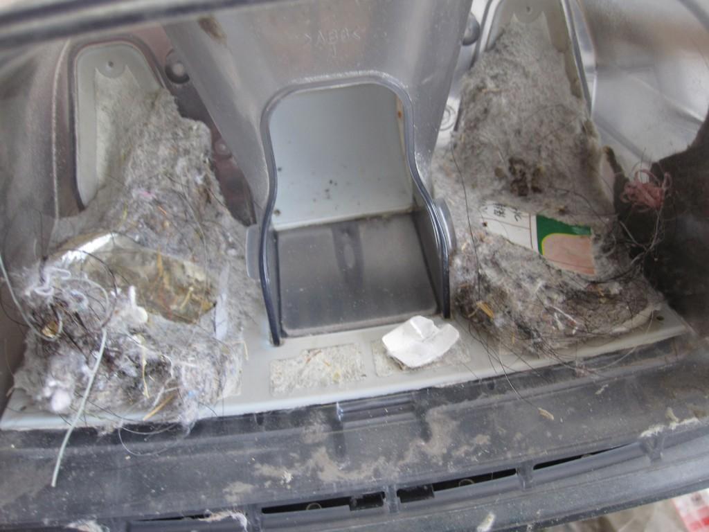 掃除後のフィルターに溜まったゴミ