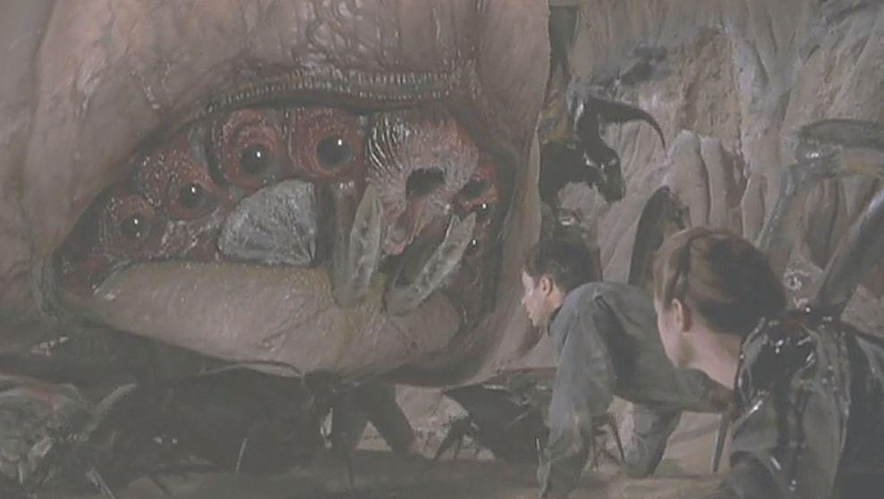 映画のクライマックスはバグの頭脳を担うブレイン・バグが登場!