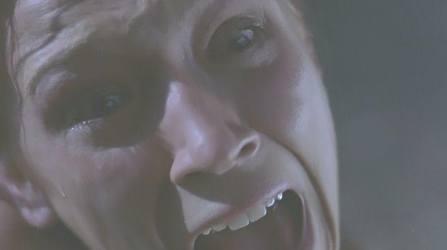 ギャ~!と叫び悲鳴がマーサーを包み込む!