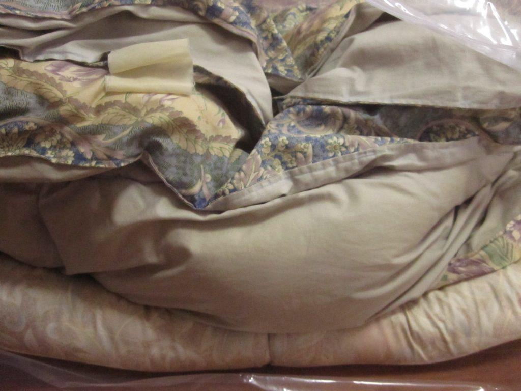 ふとん圧縮袋を使用しない状態の布団・毛布の高さ(厚さ)