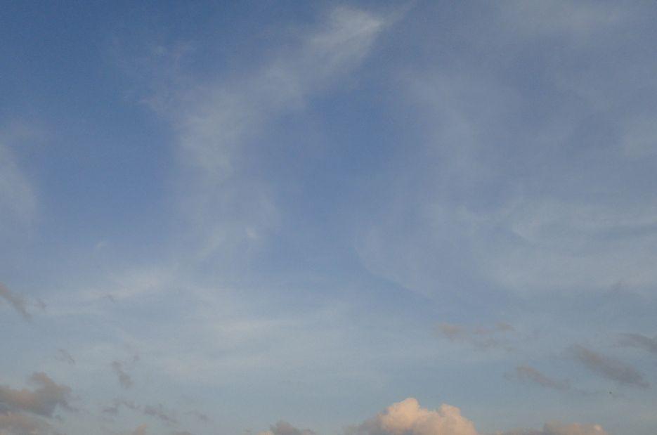 晴天の日の青空